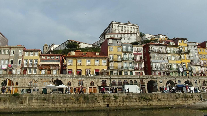 Vista de Oporto desde el agua. (VA)