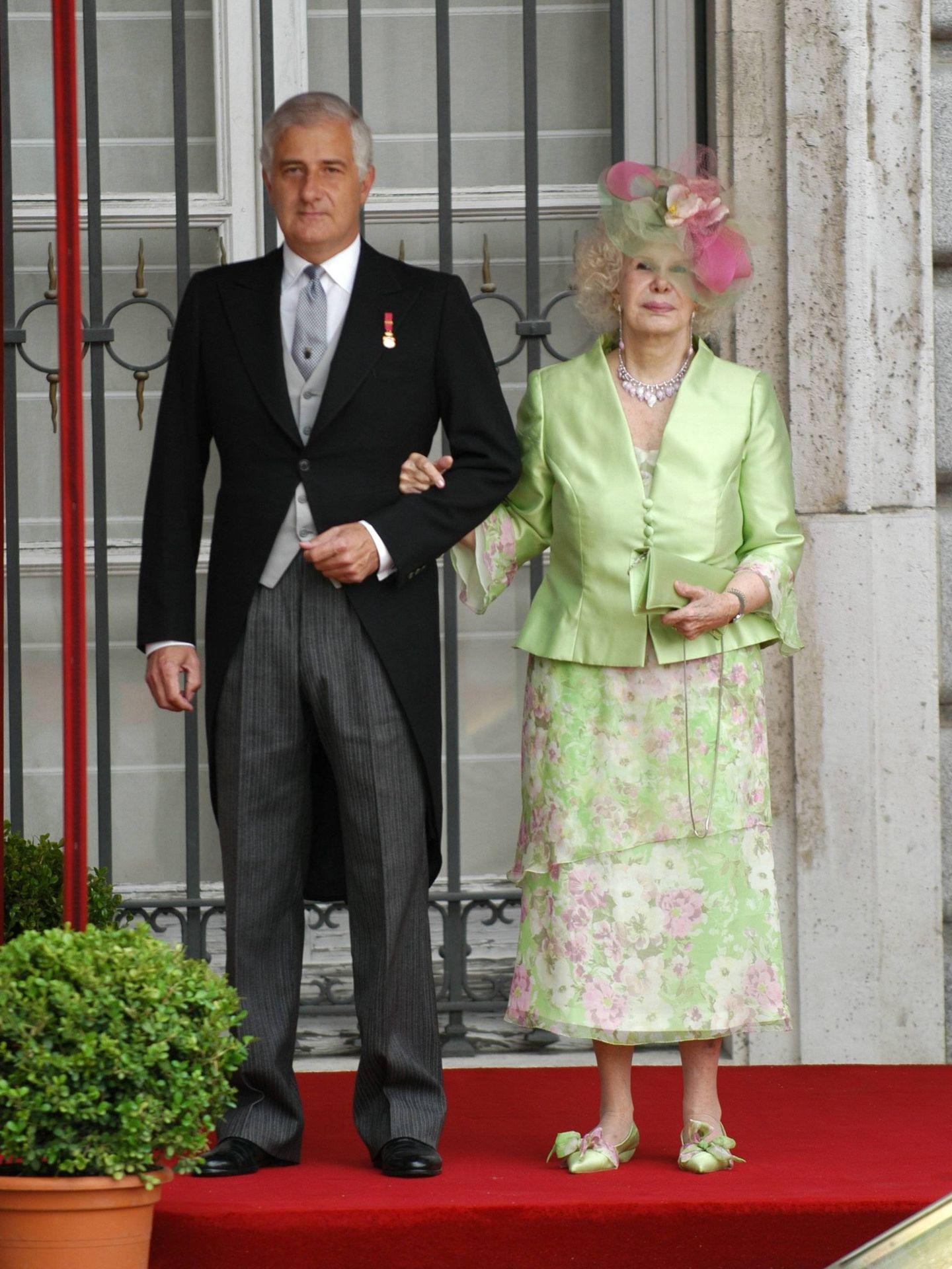 La duquesa de Alba, en la boda de Felipe VI y doña Letizia. (Cordon Press)