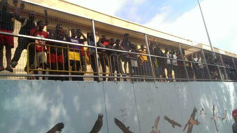 200 inmigrantes saltan la valla de Ceuta y dejan varios agentes heridos al usar cal viva