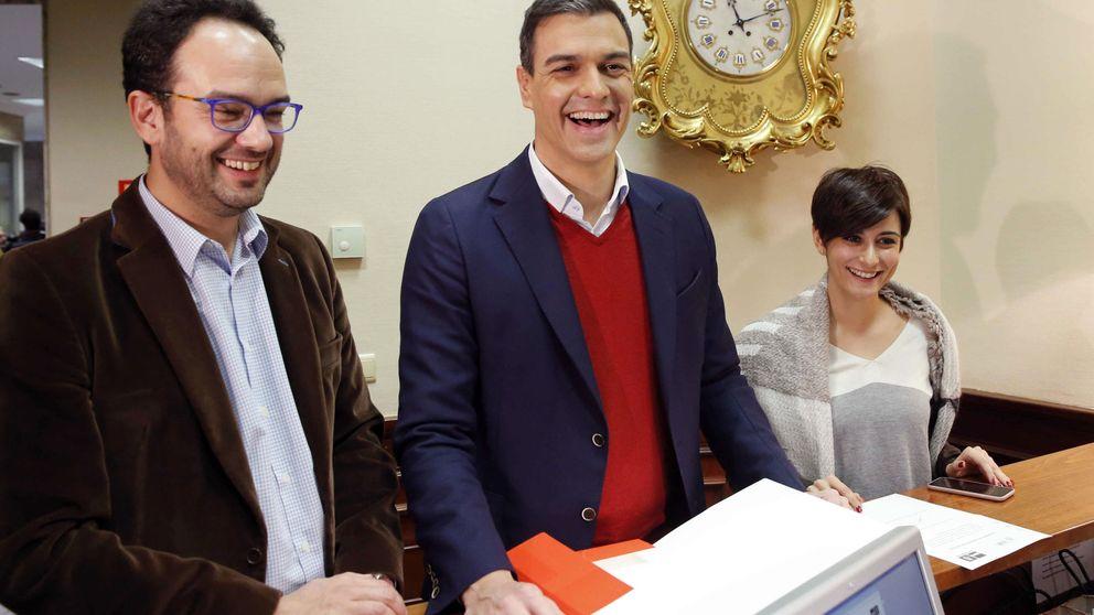 Sánchez pide a Iglesias que no chantajee y deje sus pataletas de niño pequeño