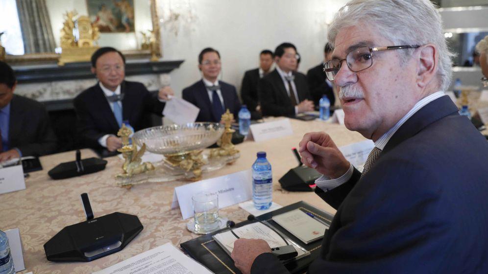 Foto: Alfonso Dastis, en una reunión. (EFE)