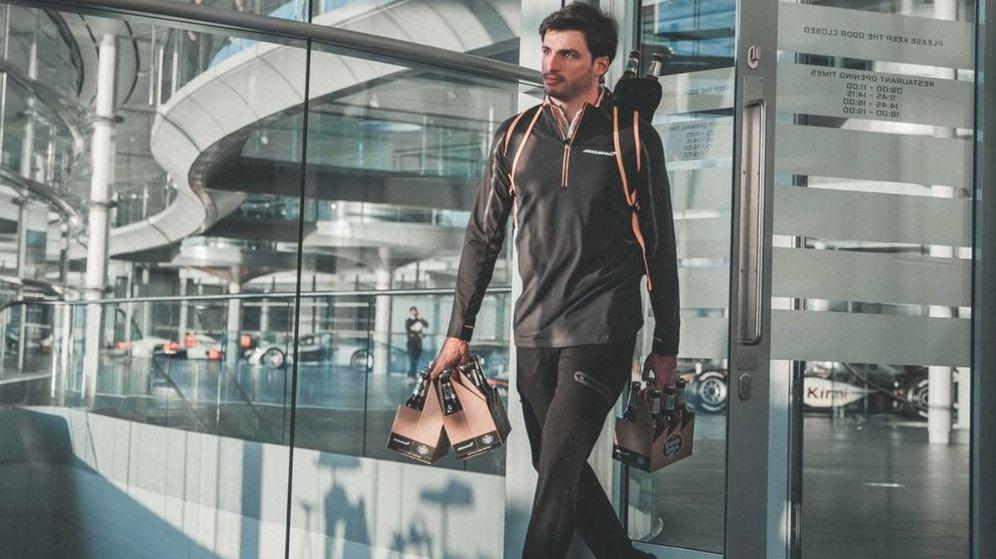 Foto: Carlos Sainz, en el anuncio del patrocinio.