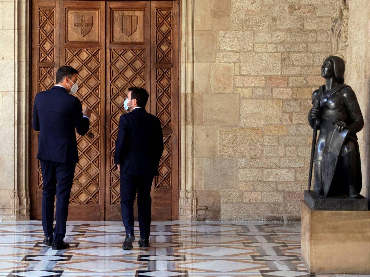 Foto: Mesa de diálogo entre el Gobierno y la Generalitat. (EFE)