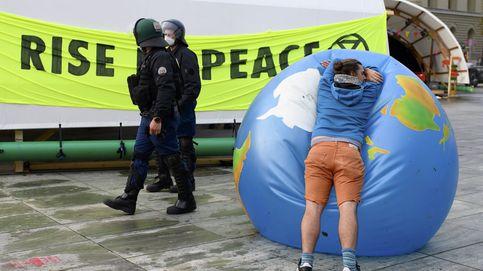 Protestas contra el cambio climático y crítica a Bolsonaro y su gestión del covid: el día en fotos