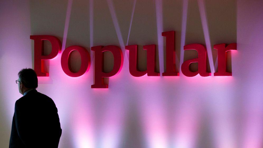 Foto: El logotipo del Banco Popular en una presentación de resultados. (Reuters)