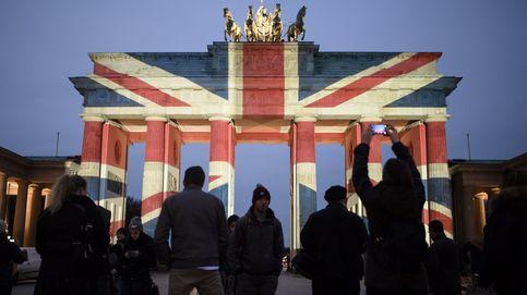 La Puerta de Brandeburgo no se ilumina por San Petersburgo (pero sí por Londres)