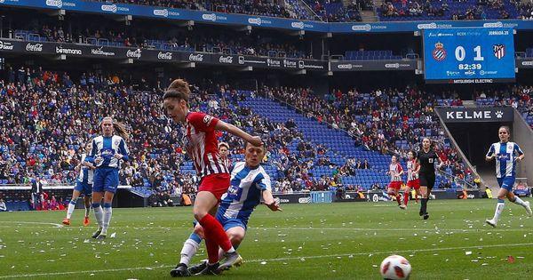 Las futbolistas amenazan con la huelga la proxima temporada si no hay convenio