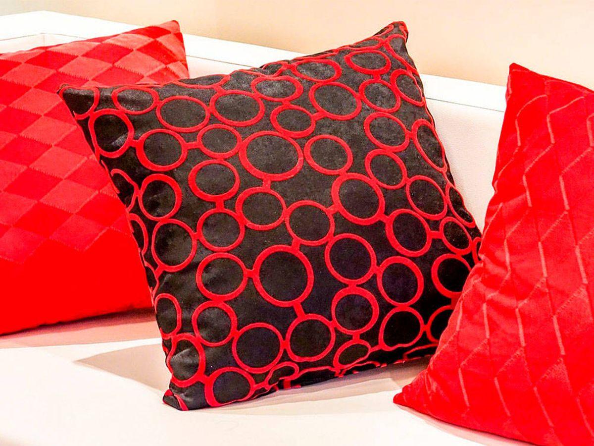 Foto: Almohadones y cojines decorativos para alegrar y dar color a tu hogar (Pixabay)