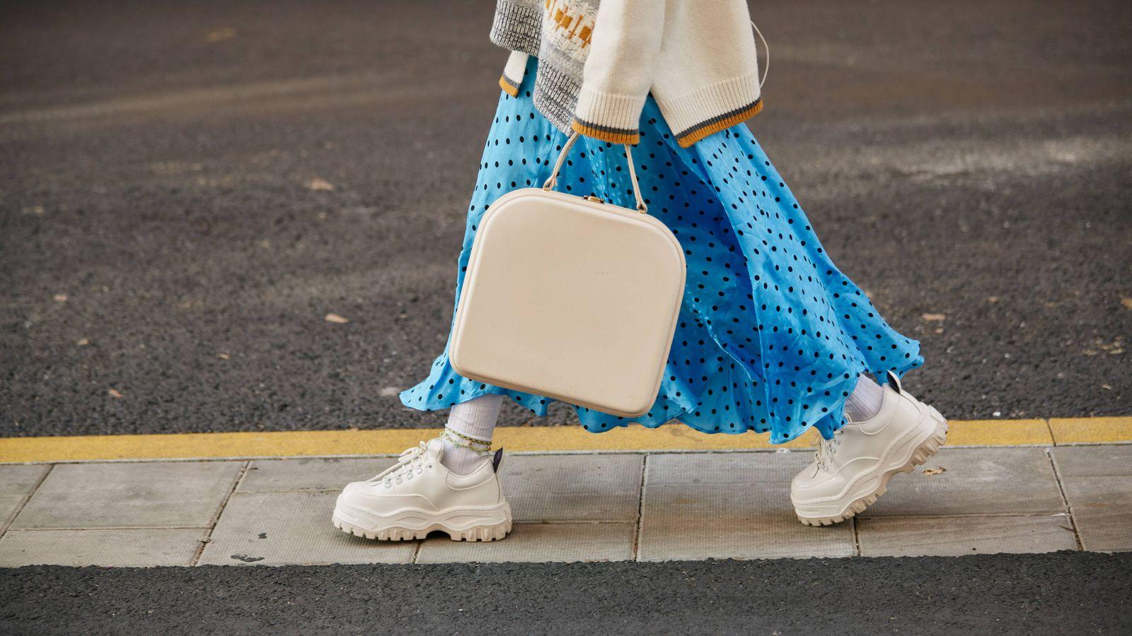 Foto: De la mano de las influencers te acercamos nuevas ideas para llevar tus sneakers. (Imaxtree)