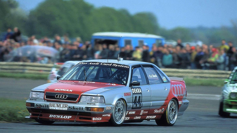En 1990, 1991 y 1992 la marca de los aros participó en el DTM alemán con sus V8 Quattro, bautizados 'los tanques de Audi'.