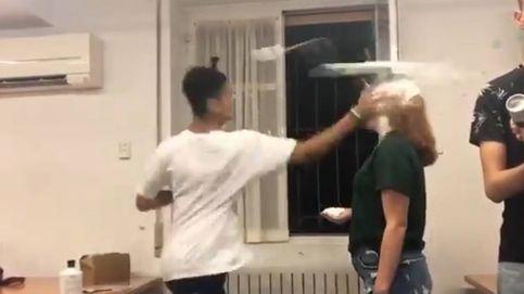 El vídeo de la vergüenza: expulsan a los protagonistas de una violenta novatada