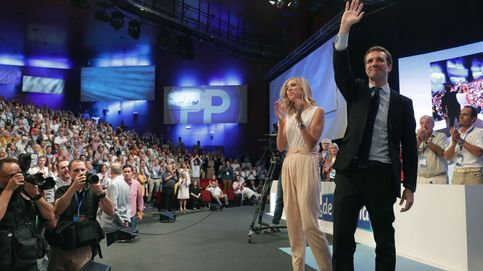 Casado se impone a Santamaría con la renovación y la vuelta a los principios