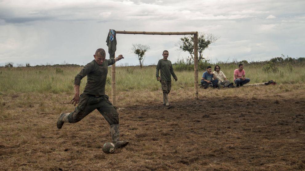 FARC y su insólito regreso al mundo: música y fútbol donde rugían las armas