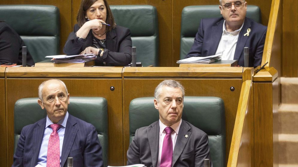 Foto: El lehendakari, Iñigo Urkullu (d), junto al consejero de Gobernanza Pública y Autogobierno del Gobierno Vasco, Josu Erkoreka (i). (EFE)