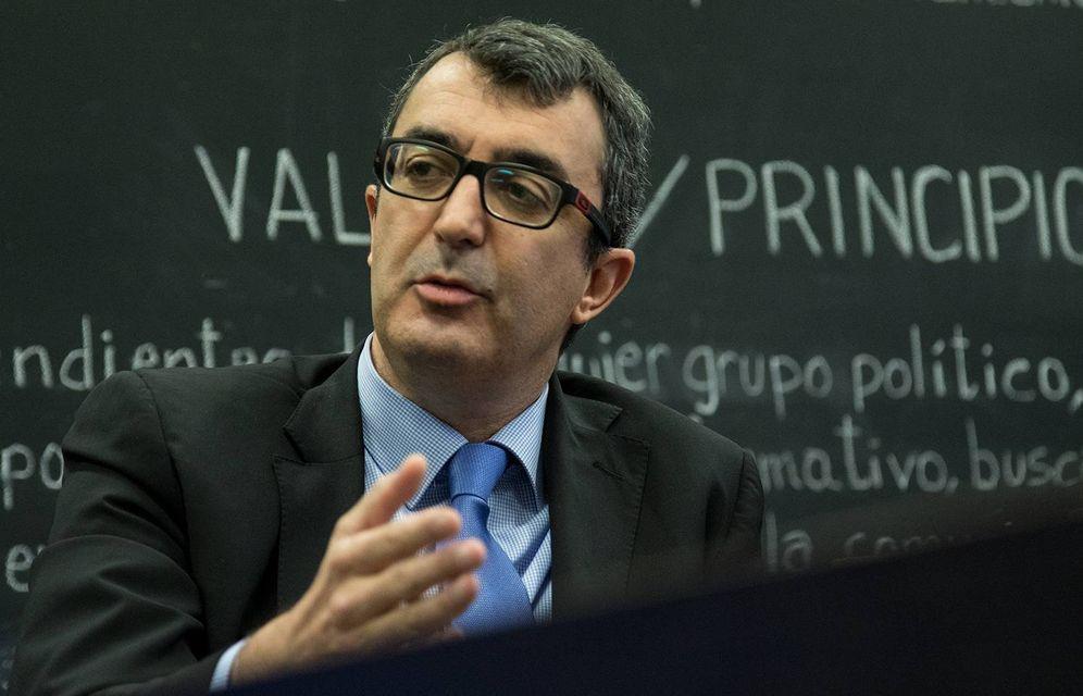 Foto: Javier Guillén, en la redacción de El Confidencial (Ernesto Torrico).