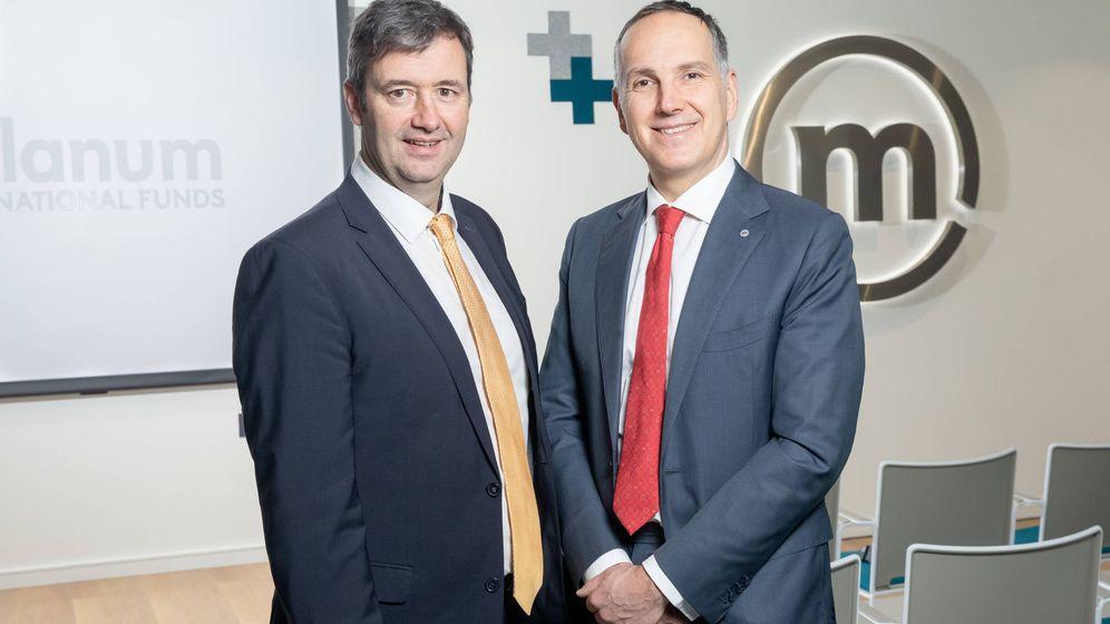 Foto: Michael D'Arcy, ministro de Finanzas de Irlanda, y Furio Pietribiasi, CEO de Mediolanum International Funds.