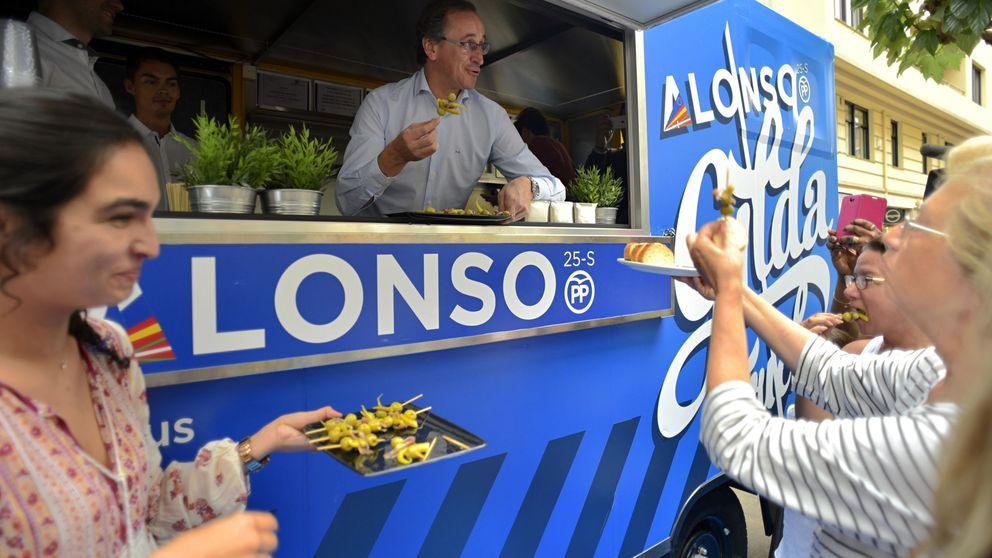 La campaña electoral en País Vasco, en imágenes: de 'food trucks' a soportar chaparrones bajo la lluvia