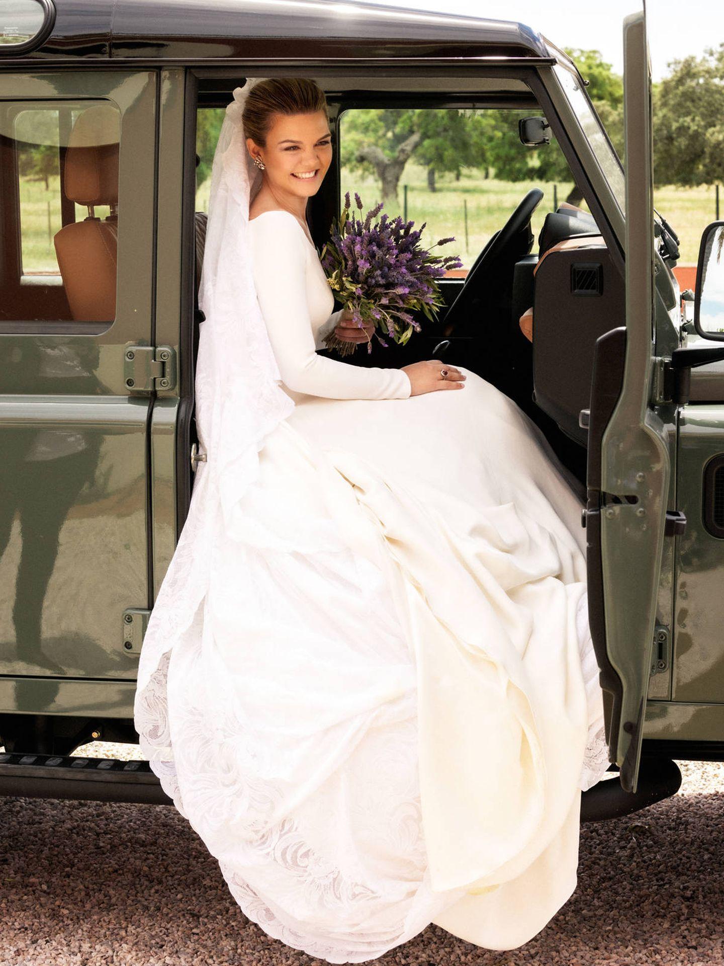 La novia, a su llegada a la finca. (Antonio Terrón)