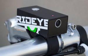 Nunca pedalearás solo: inventan la caja negra para bicicletas