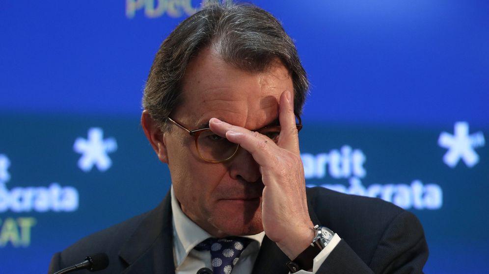 Foto: El expresidente de la Generalitat y expresidente del PDeCAT Artur Mas, durante la rueda de prensa. (Reuters)