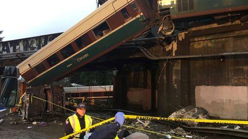 El descarrilamiento del tren de Washington que ha dejado al menos tres muertos, en imágenes