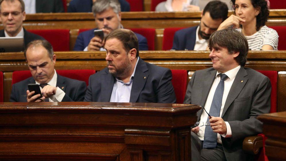 Foto: SegurCaixa suprime la póliza de seguros del Parlament al agravarse el riesgo. (EFE)