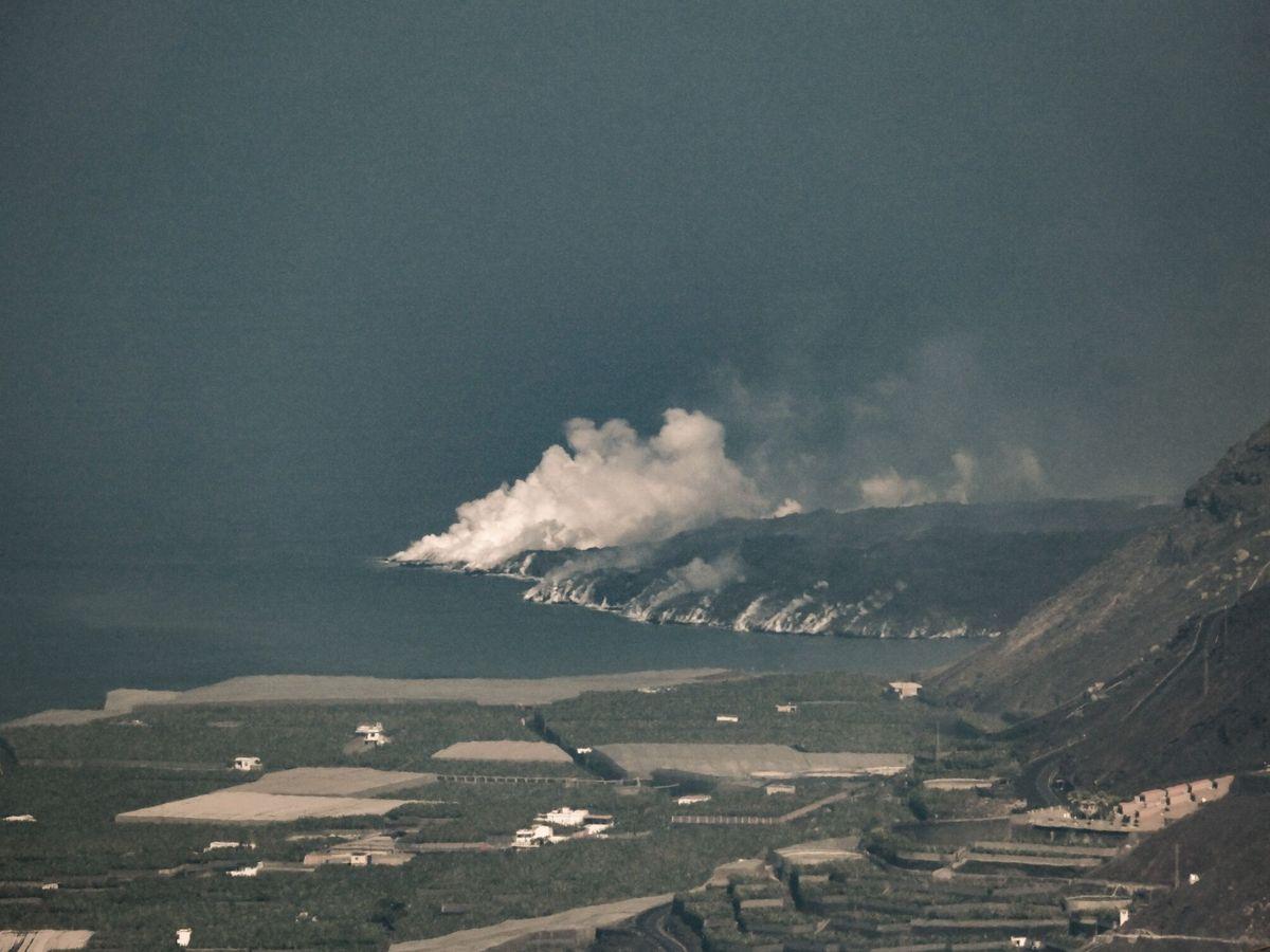 Foto: El delta formado por la colada de lava en La Palma (EFE)