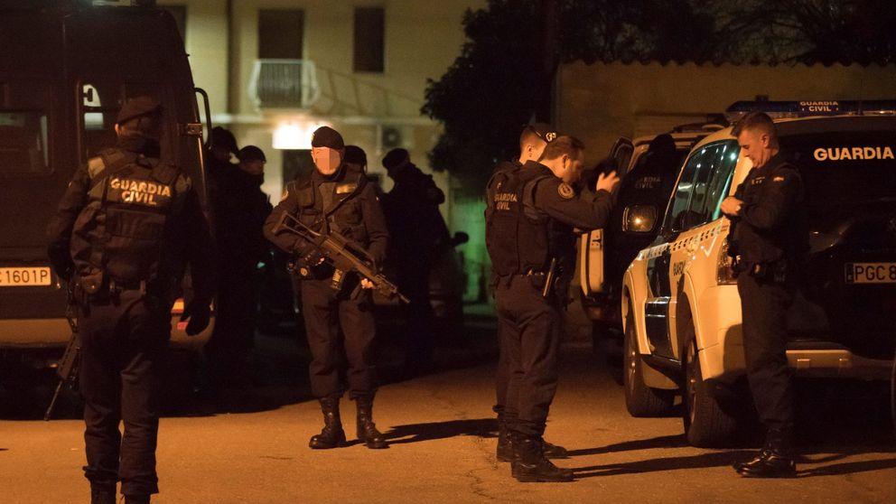 Dormido y con dos pistolas en el pecho: así cazó la Guardia Civil a Igor el Ruso
