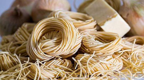 ¿Buscas recetas de pasta resultonas? Tallarines con setas y jerez