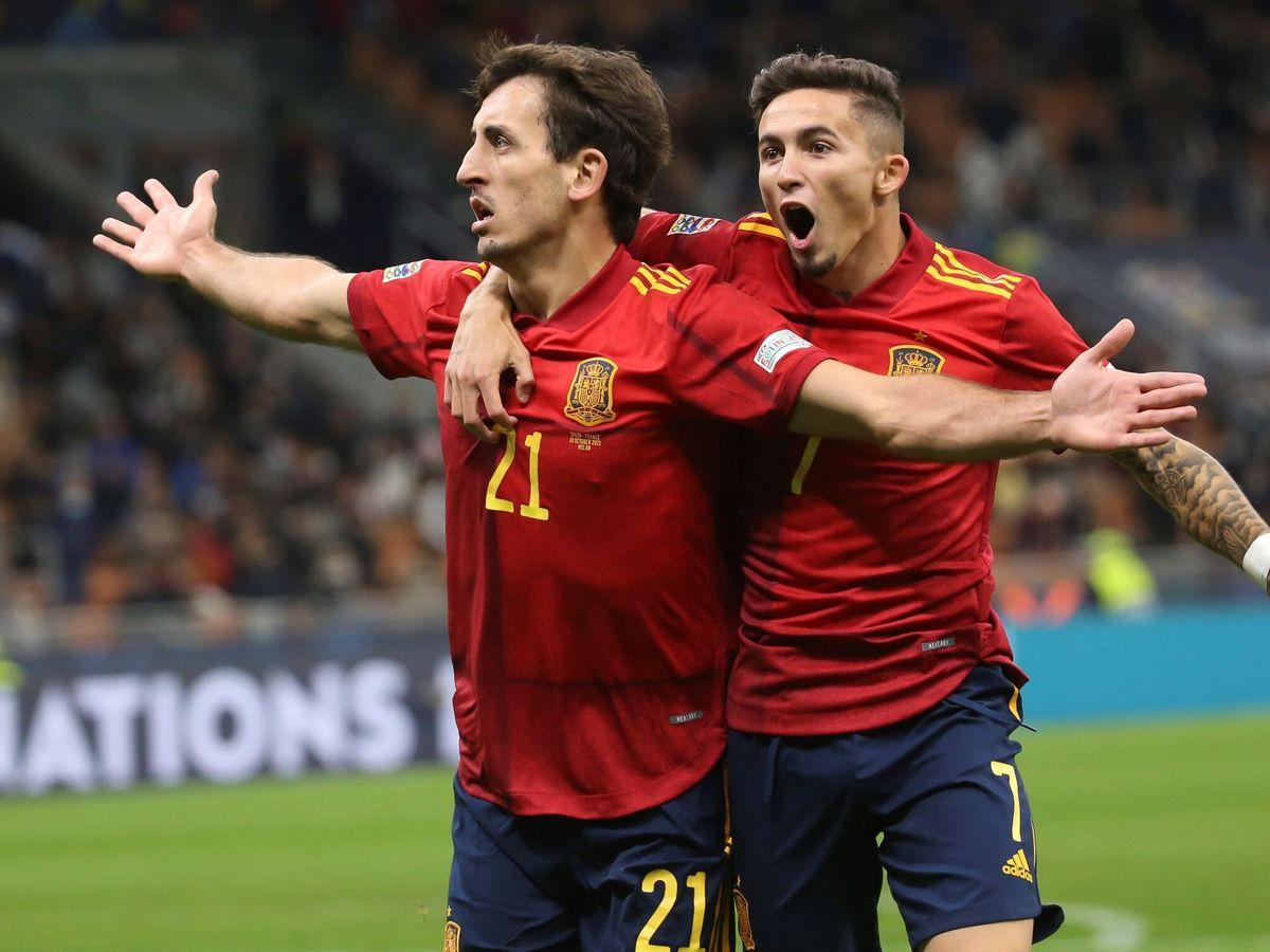 Foto: Oyarzabal celebra un tanto con España. (EFE)
