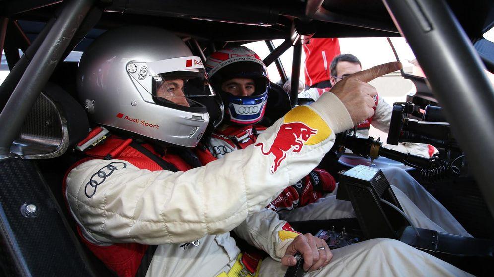 Foto: Miguel Molina a los mandos de su Audi, junto a Javier Rubio.