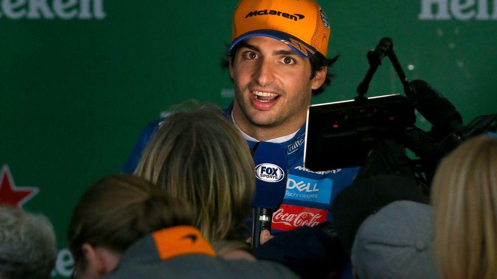Foto: Carlos Sainz al conseguir su primer podio en la F1. (EFE)