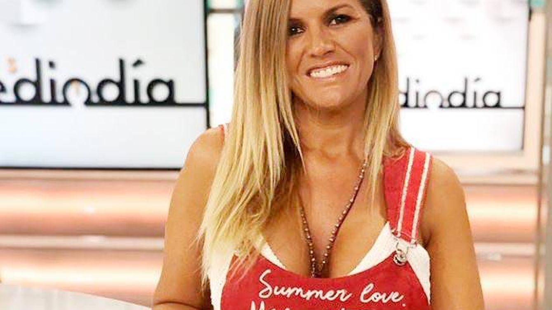 Marta López y Alfonso Merlos hacen oficial en directo su relación con solo tres gestos