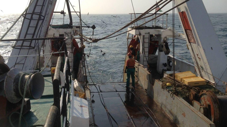 Interior de un barco de pesca de arrastre en Namibia. (Antonio Soage)