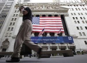 Wall Street despide la semana con caídas dominado por la enorme volatilidad