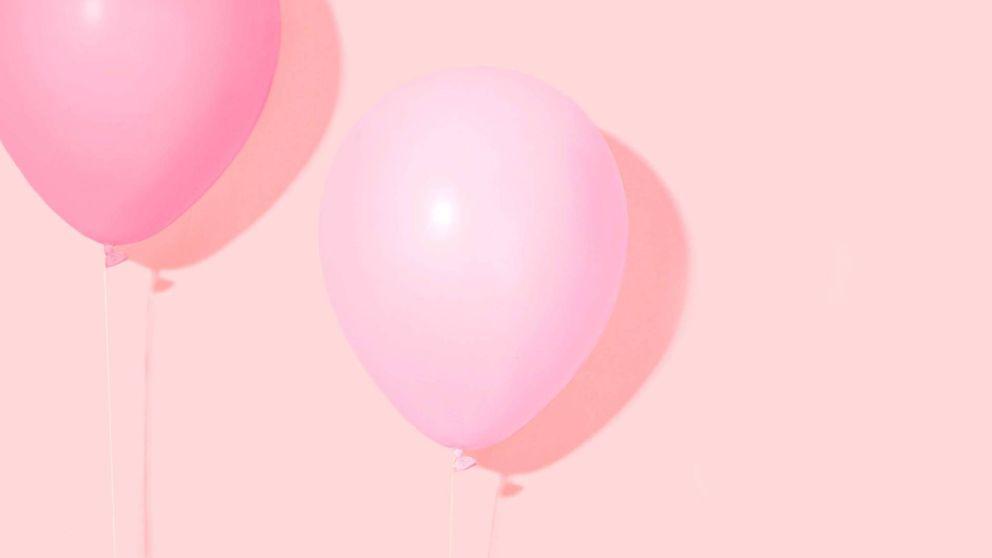 Cosméticos rosas para colaborar en el Día Internacional del Cáncer de Mama
