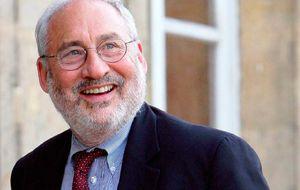 """El Nobel de economía Stiglitz: """"Con 25% de paro se sigue en recesión"""""""