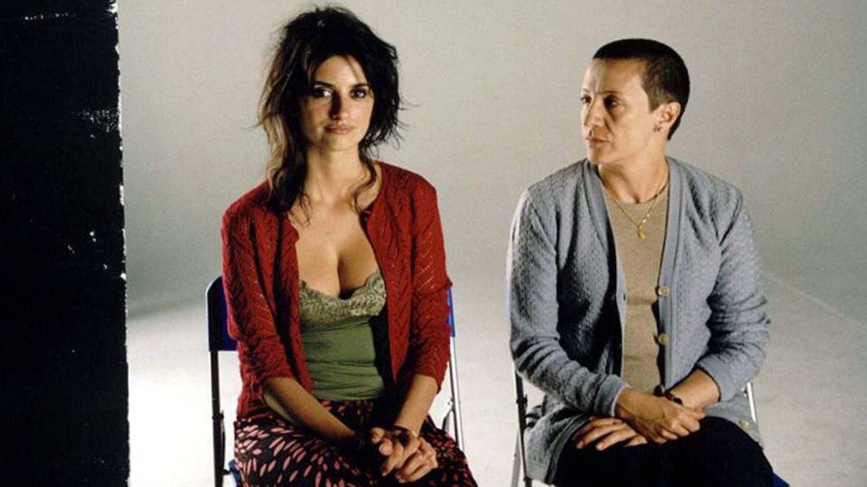 Penelope junto a Blanca Portillo en 'Volver'. (Cordon)