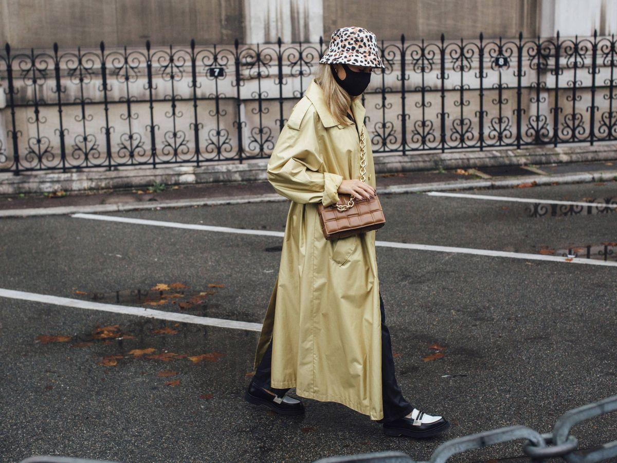 Foto: El bucket hat es el nuevo imprescindible en las calles. (Imaxtree)