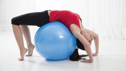 Ejercicios para abdominales, pierna y glúteos con una pelota de Fitball