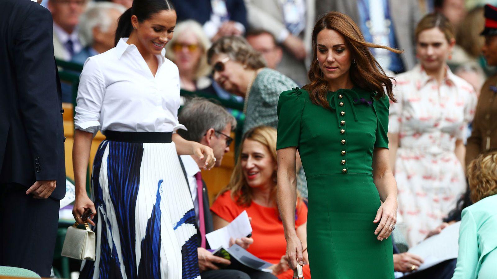 Foto: Meghan Markle y Kate Middleton en Wimbledon. (Reuters)