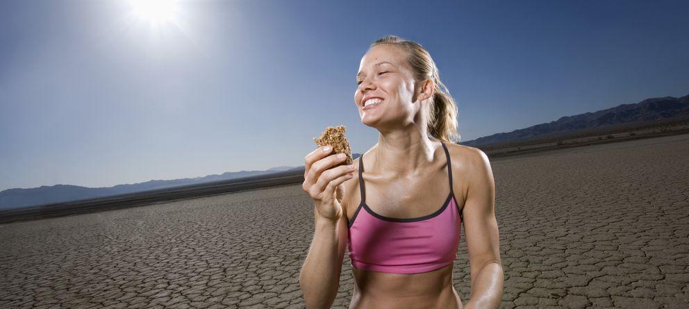 Foto: La alimentación es fundamental tanto durante el entrenamiento como el día de la prueba. (Corbis)