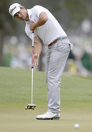 Foto: Ganar un Masters de Augusta con el novedoso 'belly putter' es legal... ¿pero es lícito?
