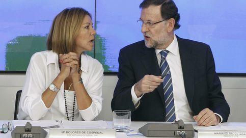Cospedal reivindica su dedicación plena en el PP con arengas a sus diputados