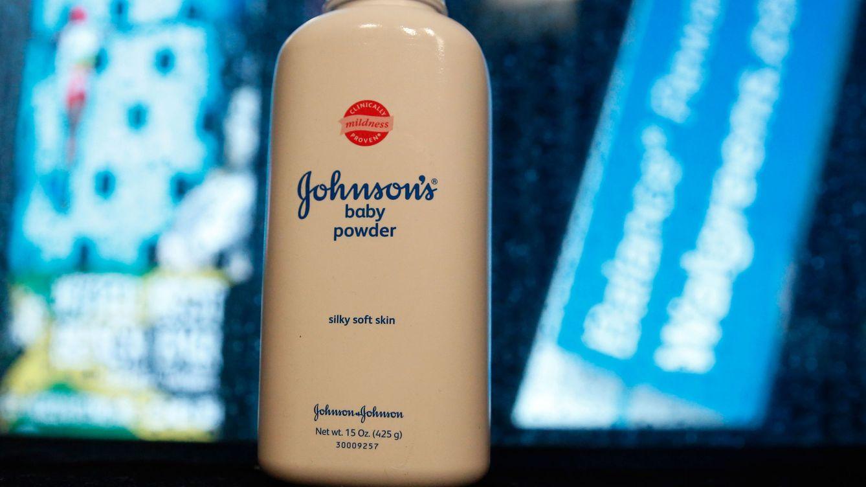 Johnson&Johnson cae con fuerza tras retirar polvos de talco por el hallazgo de amianto
