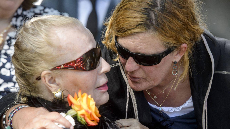 Lágrimas y acercamientos: así ha sido último adiós a Don Leandro de Borbón