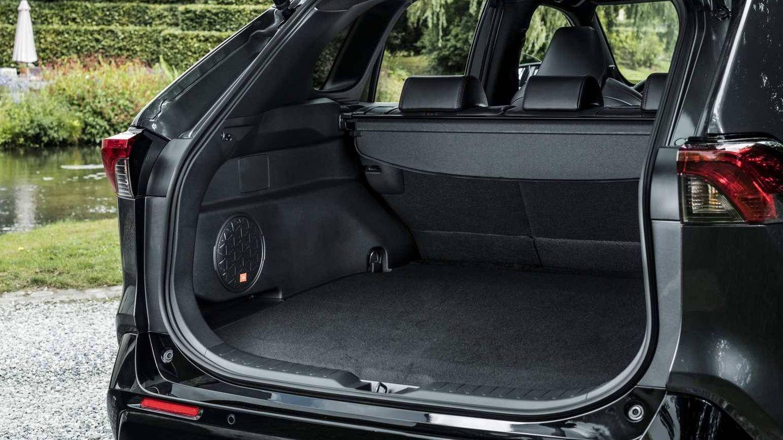 Su maletero, con 520 litros, pierde 60 litros respecto a la variante híbrida no enchufable.