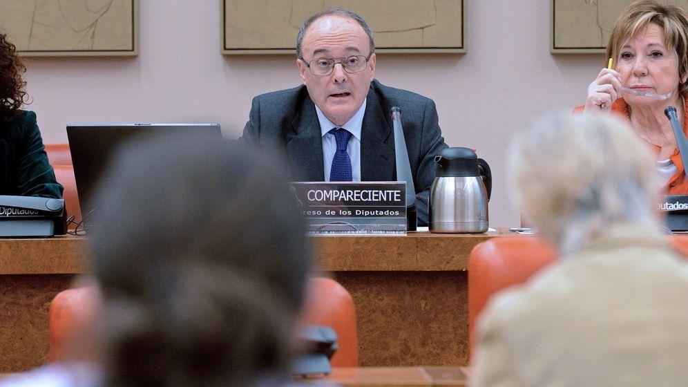 Foto: Luis María Linde, gobernador del Banco de España, en el Congreso. (EFE)