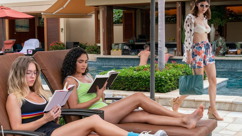Olivia (Sweeney), Paula (O'Grady) y Rachel (Daddario). (HBO)