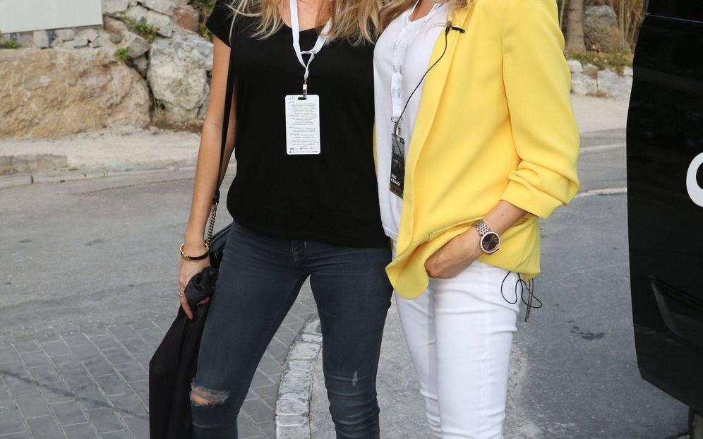Foto: Nicole Kimpel y su hermana Bárbara. (Cordon)